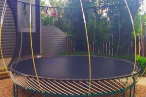 springfree-trampoline-assembly_melbourne